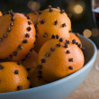 Bowl of Clove Studded Satsumas — Stock Photo