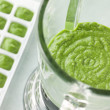 Broccoli and Spinach baby Food Puree in a Food Blender — Stock Photo