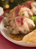 Pot Roasted Partridge with Rosti Potato Fried Croutons and Bacon — Stock Photo