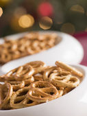 Bowl of Salted Pretzels — Stockfoto