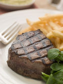 Fillet Steak Frite and Watercress — Stock Photo