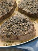 Filet Mignon au Poirve' in a saut pan — Stock Photo