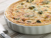 Broccoli and Roquefort Quiche in a Flan Dish — Stock Photo