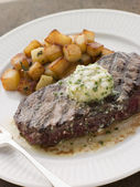Entrecote de Beouf' with Roquefort Butter and Parmentier Potatoe — Stock Photo