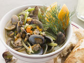 Saut ed Clams with Fennel and Orange — Stock Photo