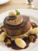 Tournedos Rossini with Cocotte Potatoes — Stock Photo