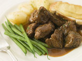 Beef Carbonnade with a Mustard Crouton and Green Beans — Stock Photo