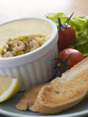 Potted Brown Shrimp with Toast and Salad — Stock Photo