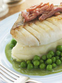 Roasted Cod Fillet with Mash Potato Peas and bacon — Stock Photo