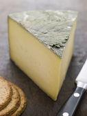 Cuneo di formaggio yarg cornish con biscotti di farina d'avena — Foto Stock