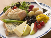Stilton and Mature Cheddar Ploughman's — Stock Photo