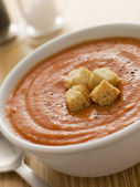 Bowl of Tomato Soup with Croutons — Stock Photo