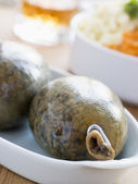Whole Haggis with Neeps Tatties and Whiskey — Stock Photo