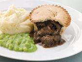 Steak Pie Mash and Mushy Peas — Stock Photo