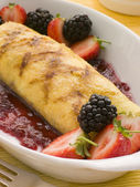 Jam Omelette with Berries — Stock Photo