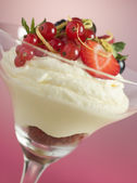 Lemon and Berry Syllabub — Stock Photo