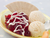 Jelly and Ice Cream with a Wafer and Cream — Stok fotoğraf