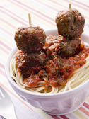Spaghetti with Meatball Sticks and Spicy Tomato Sauce — Stock Photo