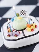 Racing Car Birthday Cake — 图库照片