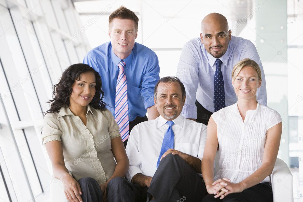 Businesspeople sitting in office lobby — Stock Photo #4760052