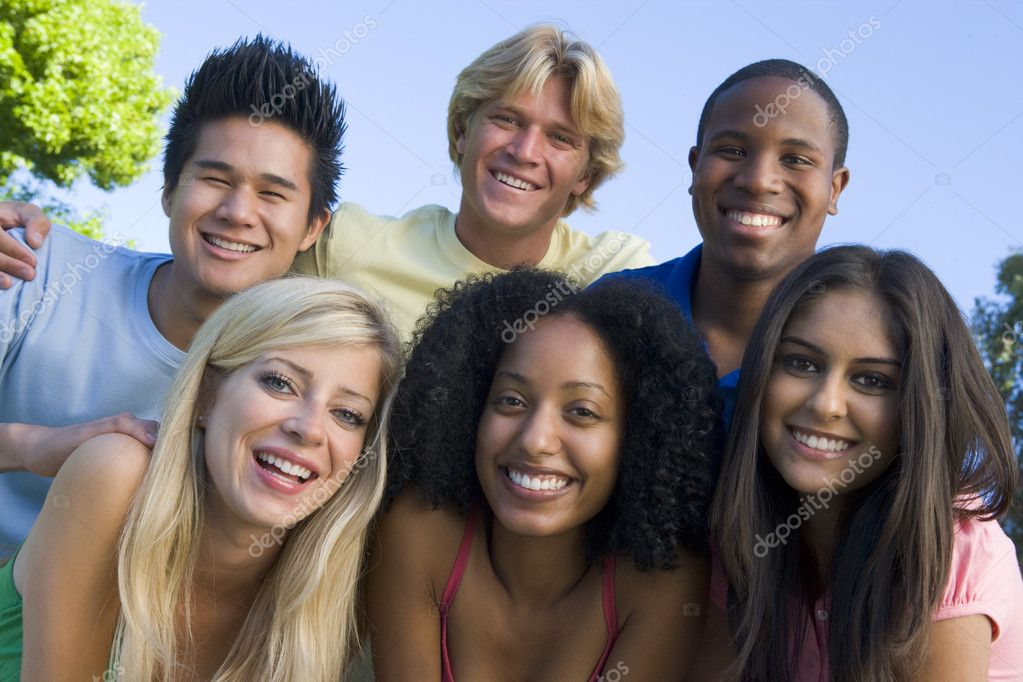 Group of six young friends having fun outside — Stock Photo #4761513