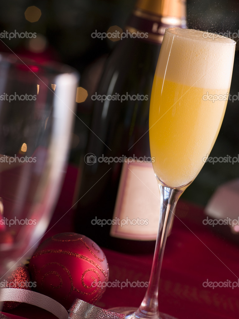 Glass of Bucks Fizz — Stock Photo #4765514