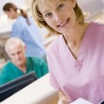 infermieri nella zona della reception di un ospedale — Foto Stock