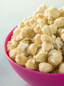Bowl Of Toffee Popcorn — Stock Photo