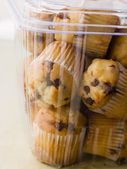 Milk Chocolate Chip Muffins In A Plastic Box — Stock Photo