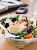 Tuna Pasta Nicoise Salad — Stock Photo