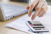 Betalen van de rekeningen — Stockfoto