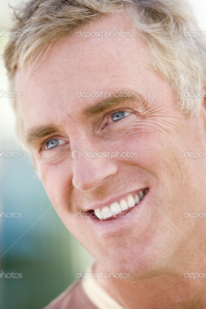 Head shot of man smiling — Stock Photo #4777697