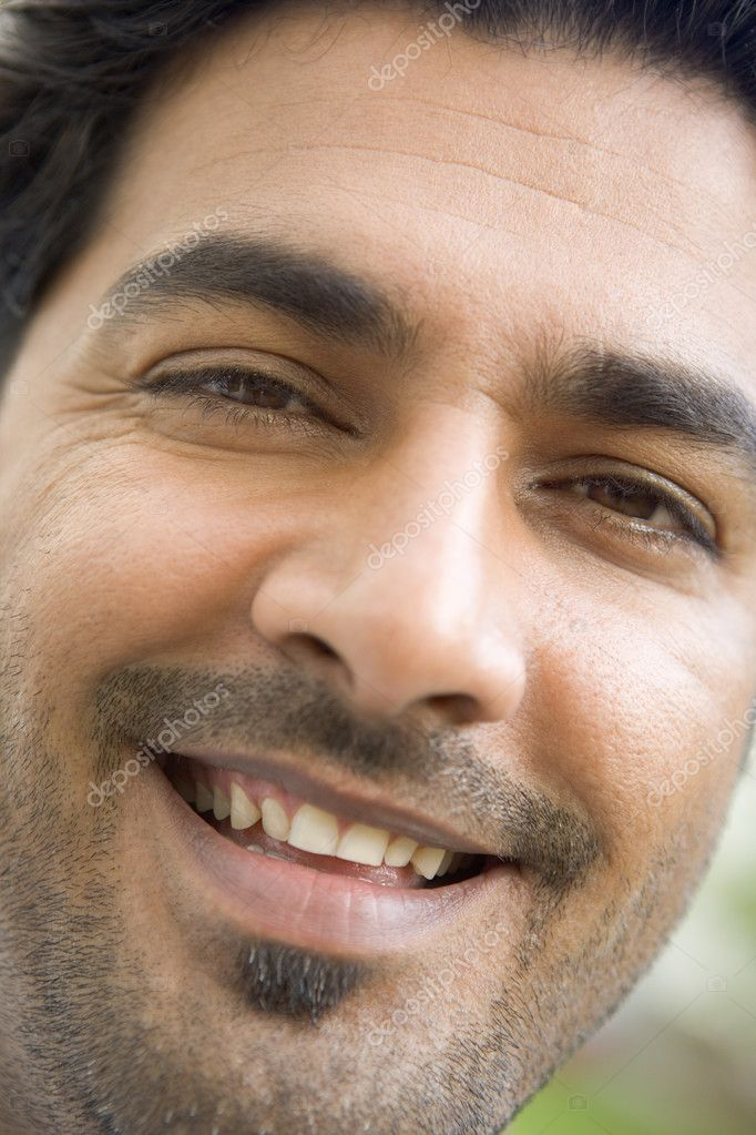 Head shot of man smiling — Stock Photo #4777805