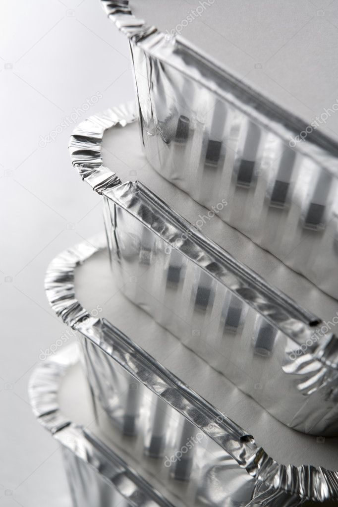 Stack Of Foil Take Away Containers — Stock Photo #4778637