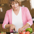 Woman Chopping Vegetables — Foto Stock