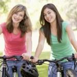 Teenagers On Bikes — Stock Photo