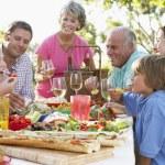 Family Dining Al Fresco — Stock Photo