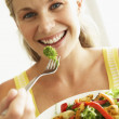 Mid Adult Woman Eating A Healthy Salad — Stock Photo
