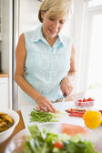 Woman Preparing meal,mealtime — Stock Photo
