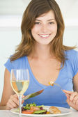 Young Woman Enjoying meal,mealtime With A Glass Of Wine — Stock Photo