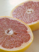 Halved Pink Grapefruit — Stock Photo