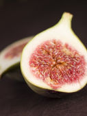 Halved Fresh Fig — Stock Photo