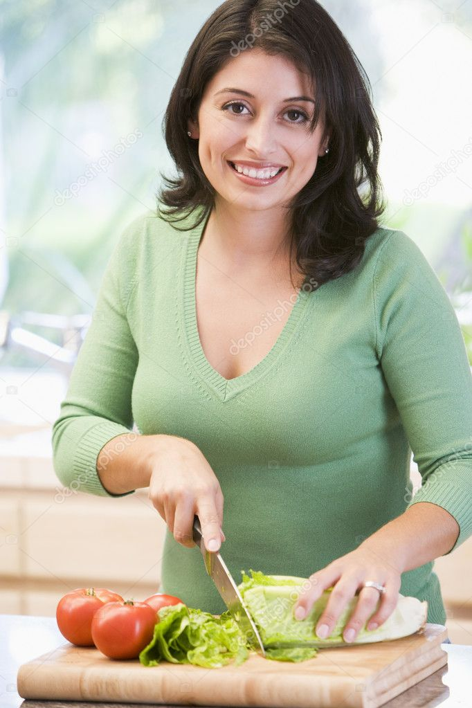 Woman Chopping Vegetables — Stockfoto #4781065