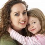 retrato de afago de mãe e filho — Foto Stock