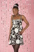 Młoda dziewczyna sobie suknię — Zdjęcie stockowe