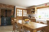 Farmouse 厨房的内部 — 图库照片