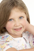 Portrét smějící se dívka — Stock fotografie