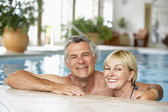Middle Aged Couple In Swimming Pool — Stock Photo