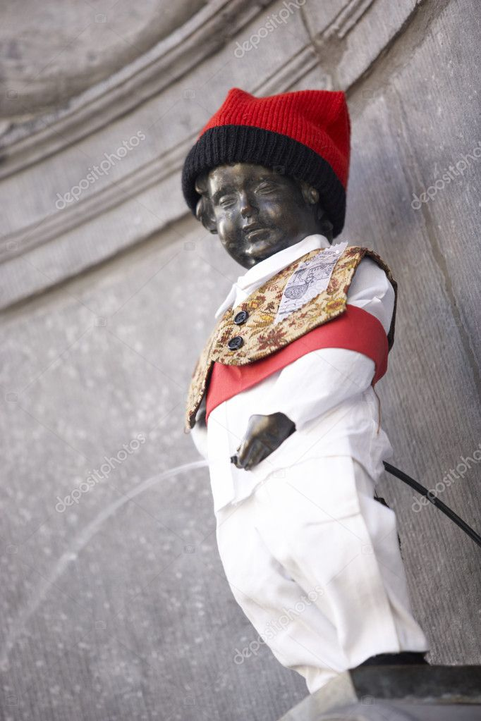 Statue Of Mannekin Pis In Brussels — Stock Photo #4797132