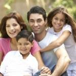 Aile zevk gündüz Park — Stok fotoğraf